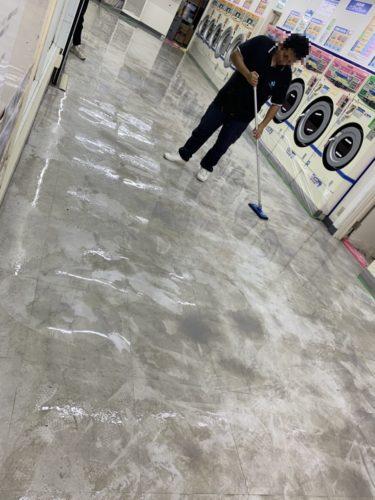 コインランドリー床洗浄